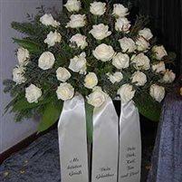 Floristikauswahl Grabgebinde weiße Rosen